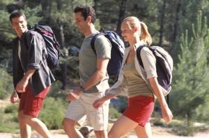 3 personnes en randonnée