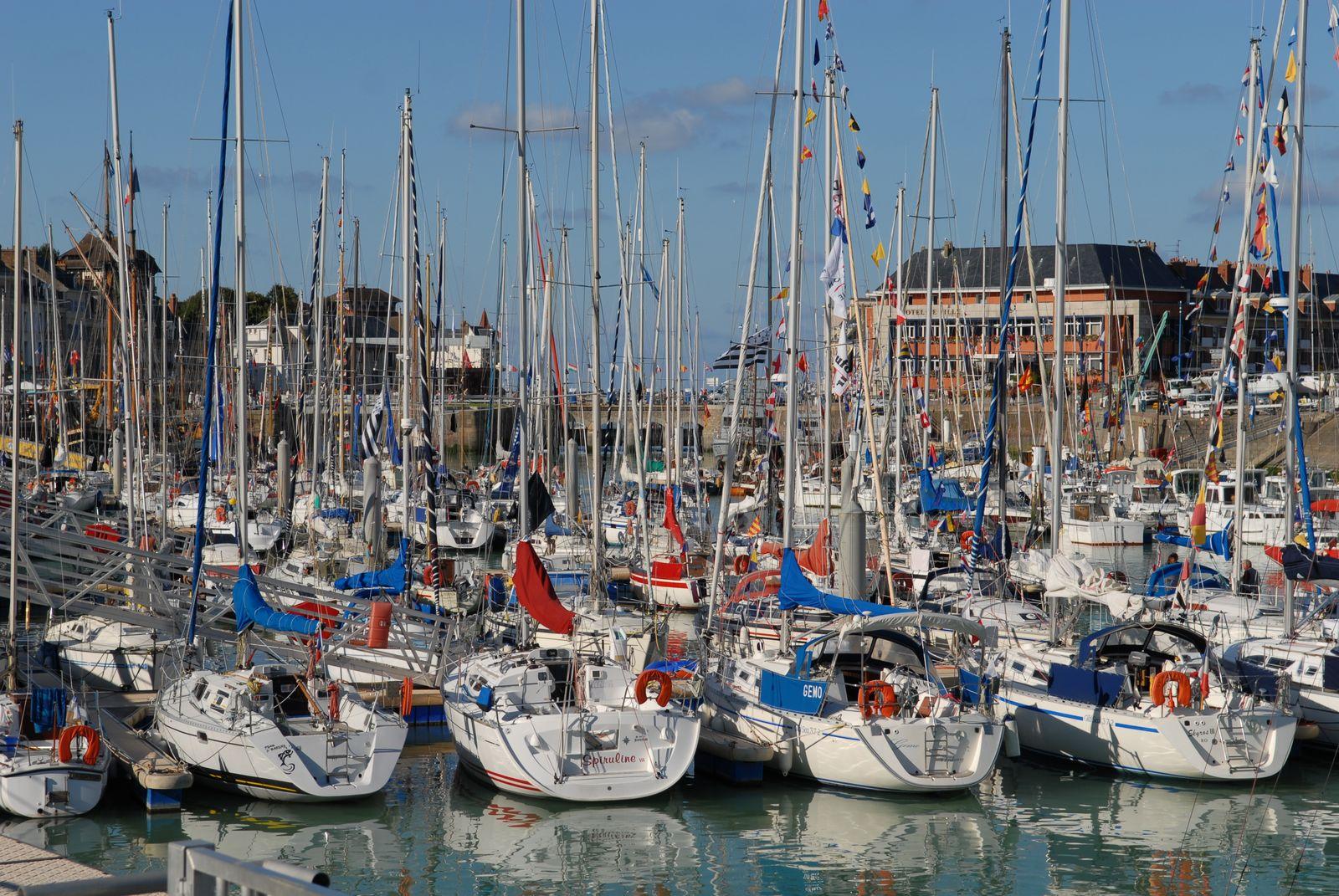 Loisirs touristiques en c te d 39 alb tre port de plaisance - Saint valery en caux restaurant du port ...